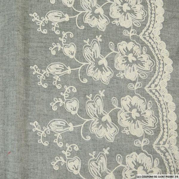 Voile de Coton brodé blanc cassé fond gris