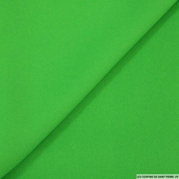 Crêpe envers satin vert mat
